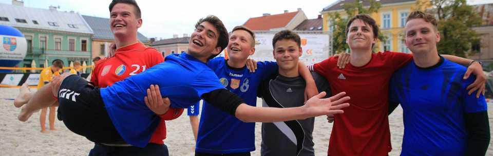 Znamy zwycięzców turnieju plażówki (wideo)
